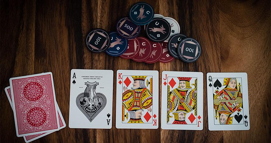 Lähetä kuva4 Live Dealer kasinopeliä joista sinun pitäisi tietää holdem - 4 Live Dealer kasinopeliä, joista sinun pitäisi tietää